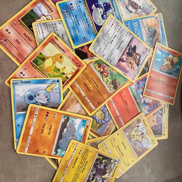 MINT/NM 100+ Pokémon card bundle with ultra rares